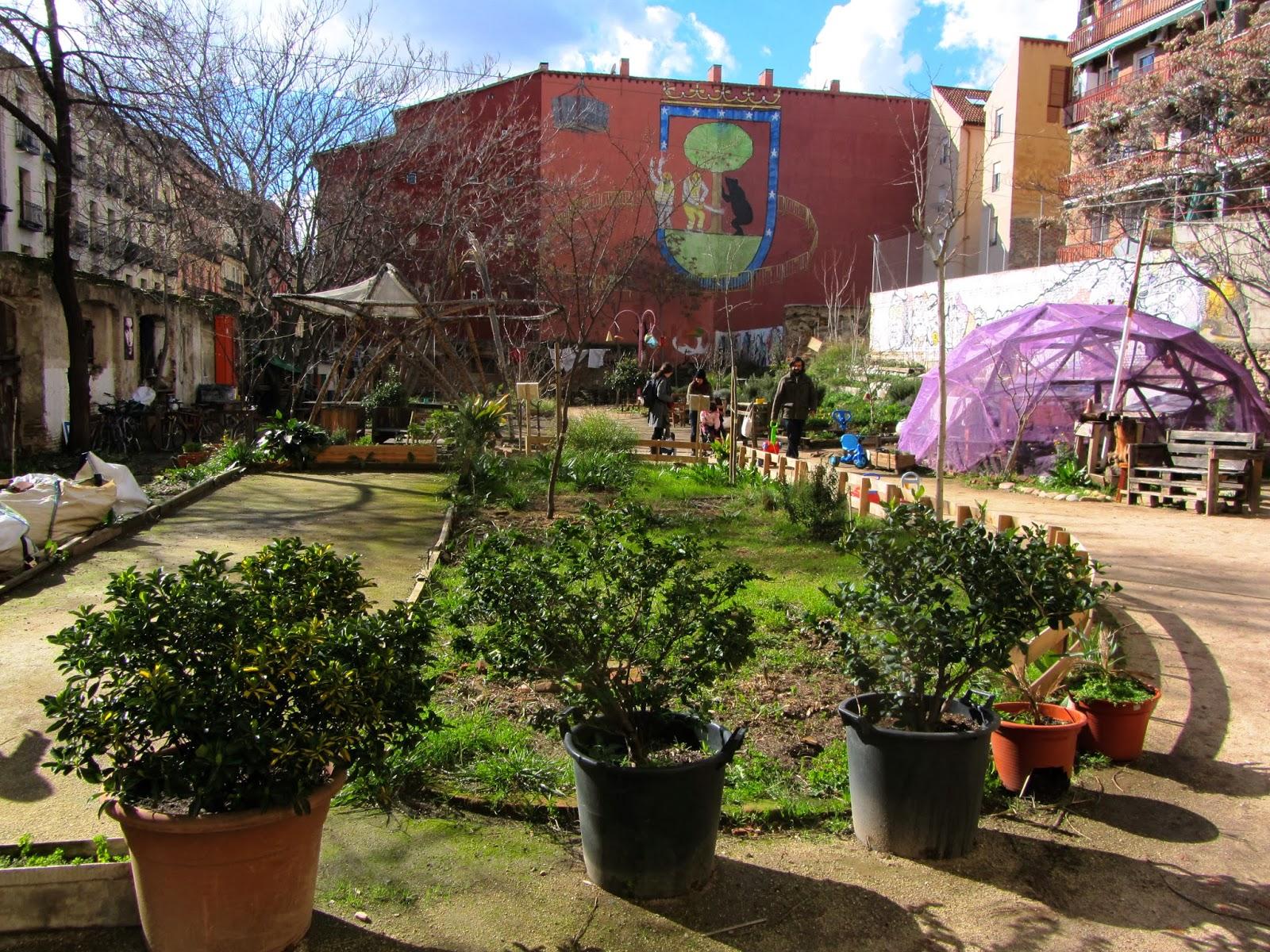 Esta es una plaza (2008)